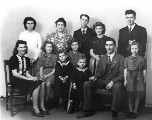 Wilford and Marie Cole Family in 1942
